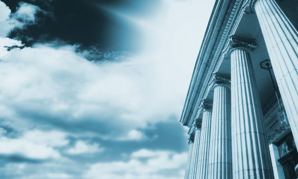 De quels recours dispose l'acheteur en cas de vices cachés affectant le bien immobilier acquis ?